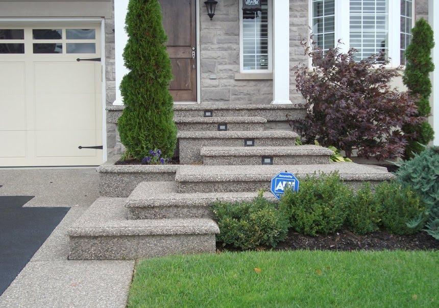 Aggregate floating steps